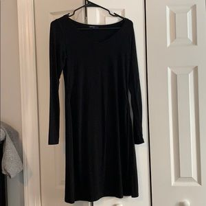 Black cotton maternity dress. Super comfy!